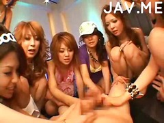 Asian chicks pleasing a guy