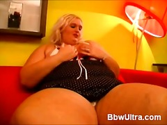 WinPorn Movie:Blonde bbw solo