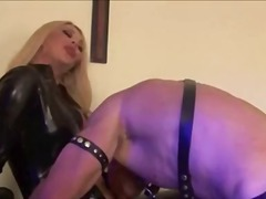 Foxy angel dominating - aShemaleTube