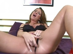 Updatetube Movie:Pamela smile sure loves big cocks