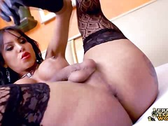 aShemaleTube - Hot latina plays and cums