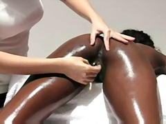 Ebony beauty gets sens...