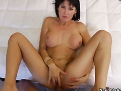 Eva karera housewife 1... video