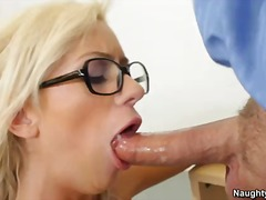 Kaylee hilton is a blond-haired student