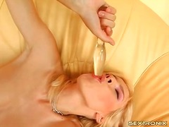 Solo high heels girl puts toy in her ass