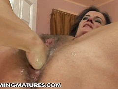Yobt TV Movie:Hot grandma masturbating and h...