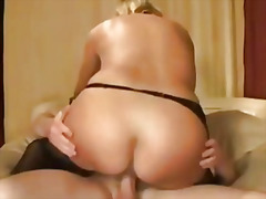 Thumb: Pretty blonde milf fuc...
