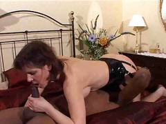 Mature slut wendy fucked by big black