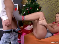 Cindy dollar makes unforgettable footjob