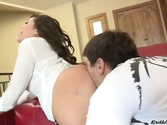 London keyes gets a rough drill from her neighbor