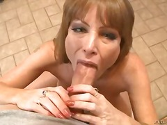 Darla crane is rubbing oil... - 05:00