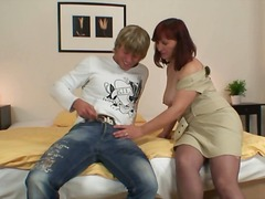 Yobt Movie:Red head oldie has lured insid...