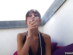Dominant smoker tara video