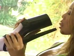 DrTuber Movie:High heels and huge dildo in k...