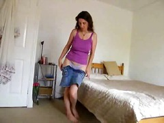 AlotPorn Movie:Skinny mature gets horny and m...