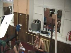Thumbmail - Blonde in gym on hidde...