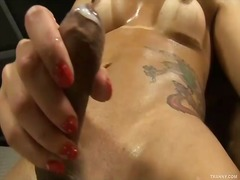 Hot tranny sucks for pleasure