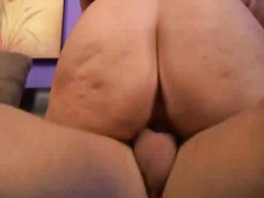 Threeway sex with cum swallowing