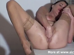 Fist fucking the wife ... preview