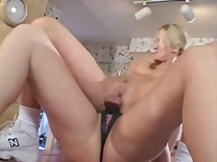 Xhamster Movie:Step mom teaches not her daugh...