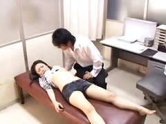 Ah-Me Movie:Perverted doctor paralyses pat...