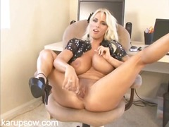 Thumbmail - Busty milf holly halst...