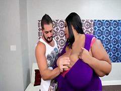 Ebony ssbbw takes a facial - 27:02