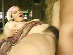 Thumbmail - Hairy milf with big bo...