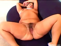 Bbw plumper makes herself cum - 08:10