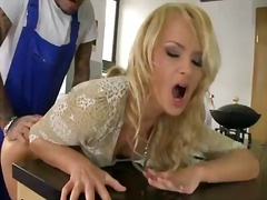 Thumb: Ivana sugar is hungry ...