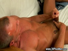 See: Watch stud make himsel...