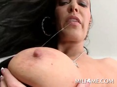 IcePorn Movie:Smoking hot brunette milf show...