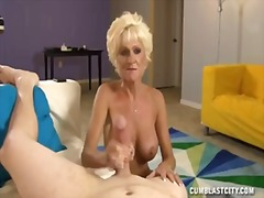 Mature lady wants a ma...