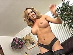 Brandi Love stuffs her...