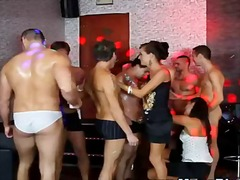 Muscley bi hunks get o... video