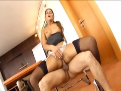 Yobt Movie:Hot secretary has xxx inside s...