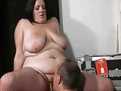 Thumb: He lures fat chick int...