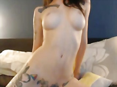 H2porn Movie:Super sexy tattooed girl finge...