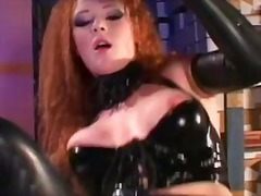 Sun Porno Movie:Police investigator fucks an o...