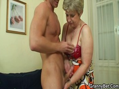 Yobt Movie:Lonely grandma has shaged insi...