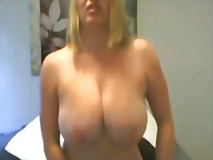 See: Hot blonde with amazin...