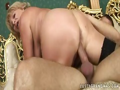 Mature blonde woman is fucked very we...