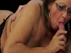 Old lady gigi may be i... - Pornoid