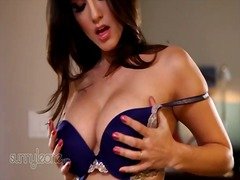 Sunny leone plays with... from PornerBros