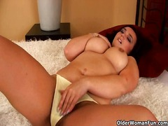 Mature soccer mom with... - Xhamster