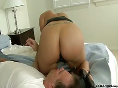 Gorgeous kelly divine sitt... - 05:00