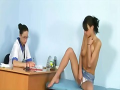 Thumbmail - Sexy babe gets an orga...