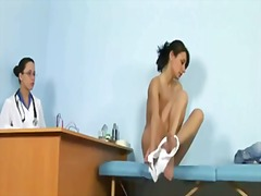 See: Sexy babe gets an orga...