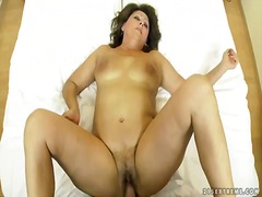 Mature horny granny gigi plays with s...