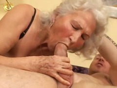 Sun Porno Movie:I wanna cum inside your grandma 4
